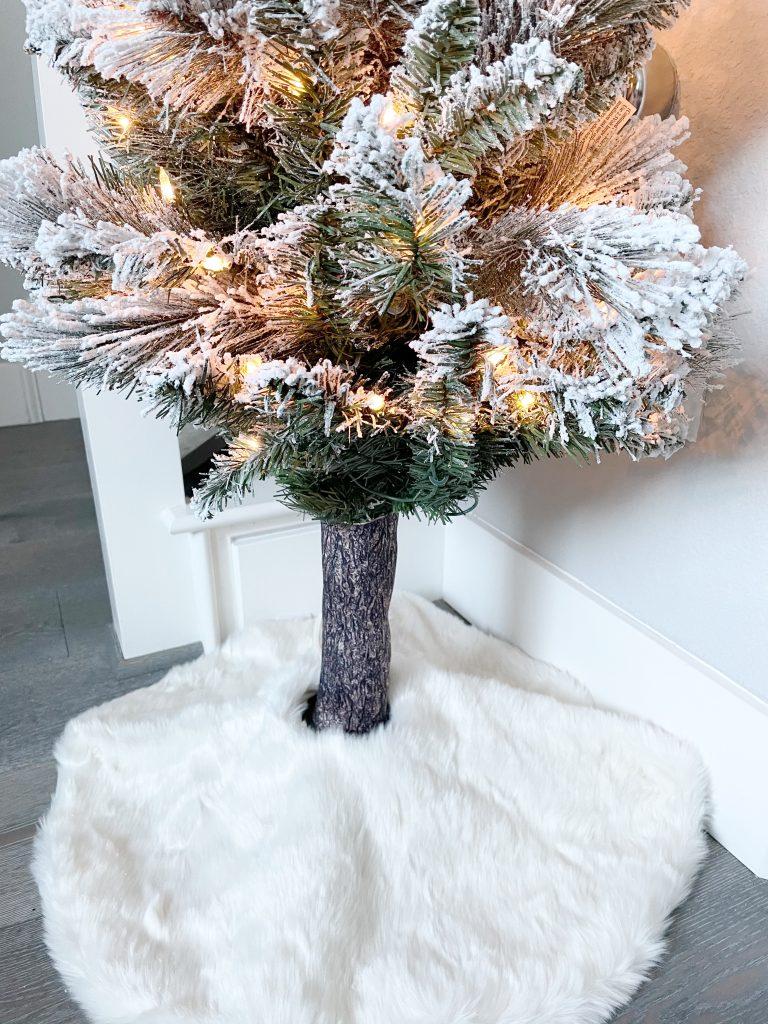 Christmas tree hugger